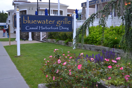 The Bluewater Grille: Outside View