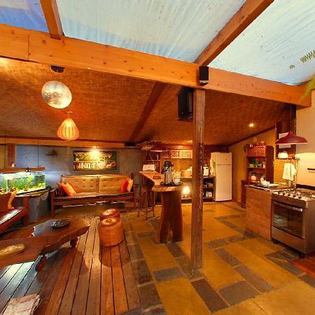 Pousada Casa Aurea Boutique: Lounge area & Guest kitchen