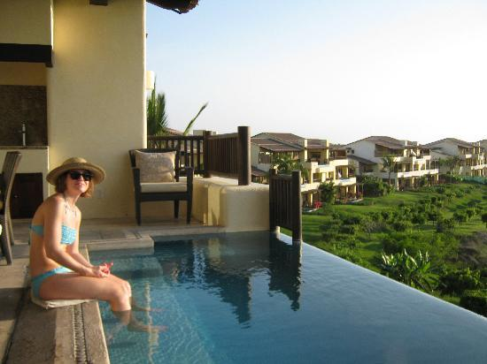 Four Seasons Resort Punta Mita: Relaxing at sunset