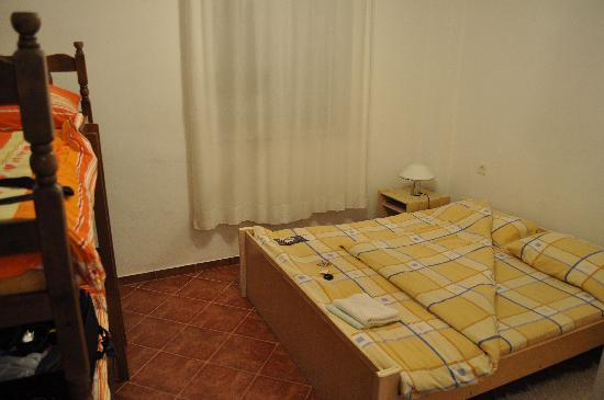 Prcanj, Montenegro: Bedroom