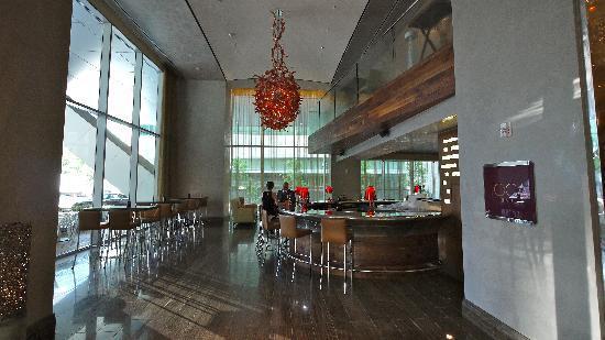 The Ritz-Carlton, Toronto: bar area