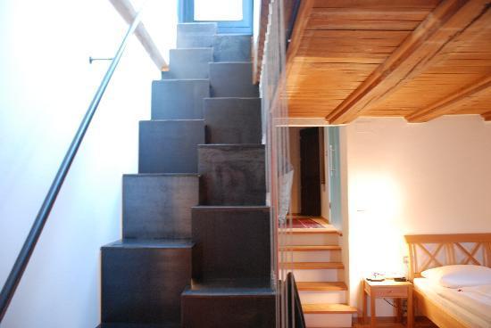 Hotel Schloss Sonnenburg: Steps to private terrace