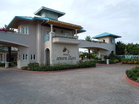 Seven Stars Resort & Spa: resort entrance