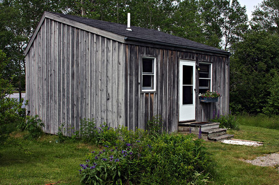 Micmac Farm Guesthouses and Gardner House: Charming cottage
