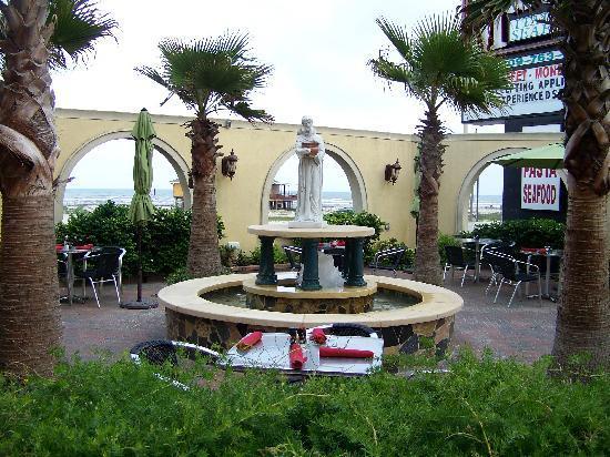 Galveston, TX: Patio at Mario's on the Seawall