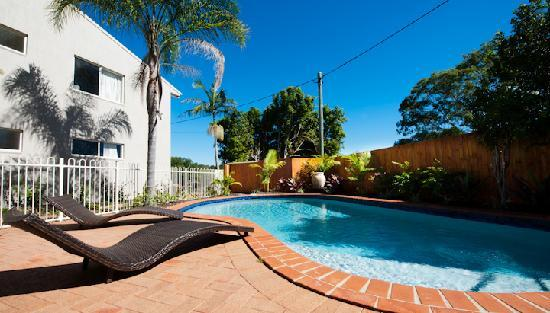 Noosa Sun Motel & Holiday Apartments: Heated pool