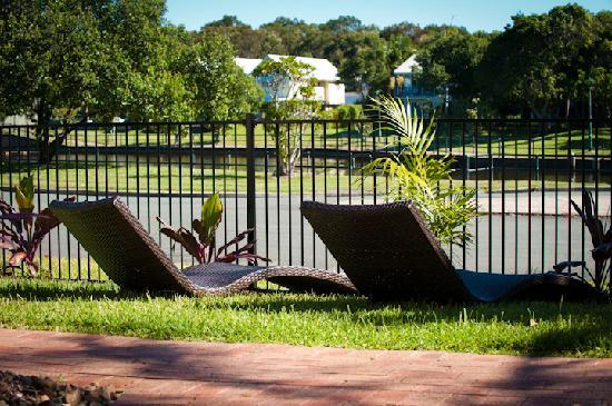 Noosa Sun Motel & Holiday Apartments: Motel gardens