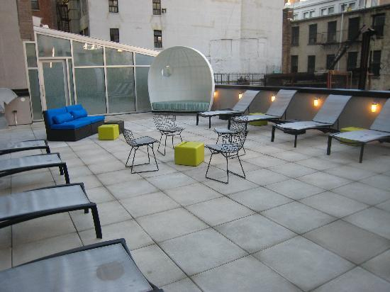 Aloft New York Brooklyn: Recharge Patio