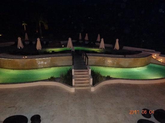 Sugar Ridge : Sugar Club pool at night