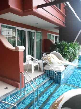 Blue Ocean Resort: Pool access rooms