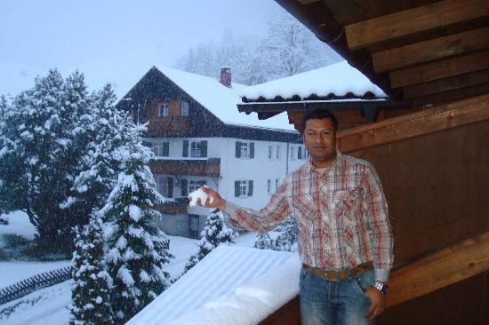 Landhotel Zum Franke : Snow Falling - From The Balcony