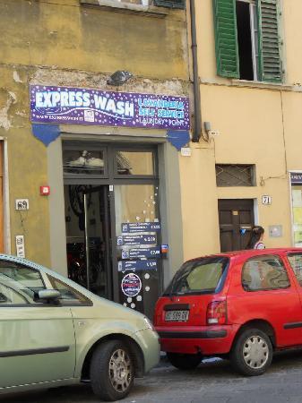 Antica Dimora Firenze: コインランドリーにはお世話になりました。
