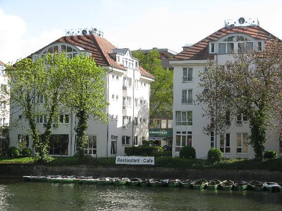 Domizil Tubingen: Hotel view from Neckar river