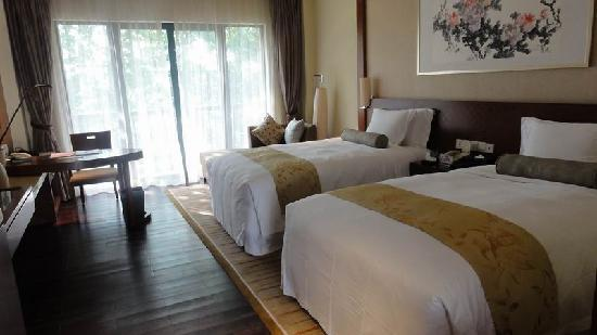 Bantang Hot Spring: double room big new clean quiet