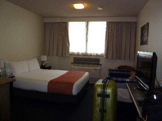 City Limits Serviced Apartments: Comfy Bed