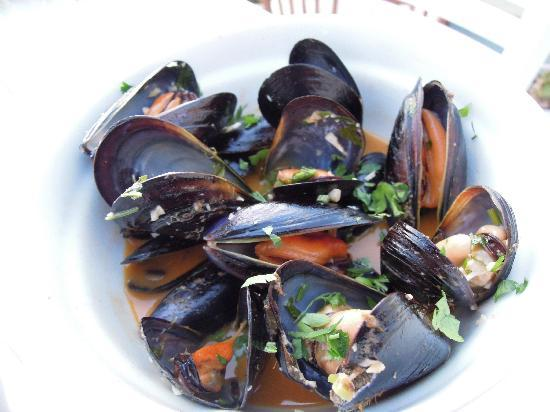Volcano Blue: mussels!