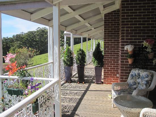 Deloraine Homestead: porch