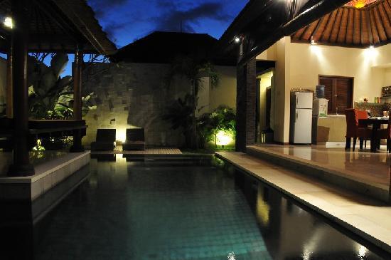 Aberu Villas : pool