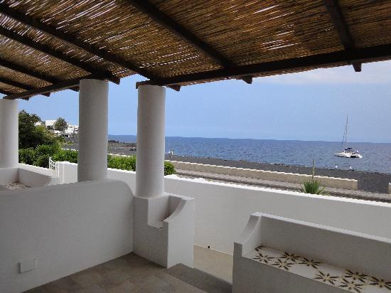 Hotel Miramare: Blick von der zum Zimmer gehörigen Terasse
