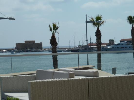 Ausblick von einer Dachterassenbar in Paphos