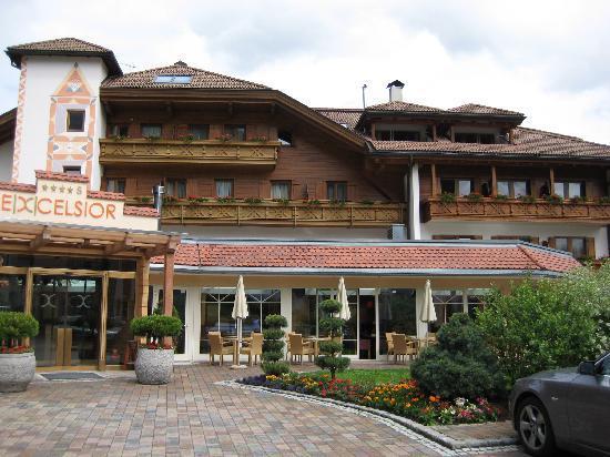 Excelsior Dolomites Life Resort: Außenansicht