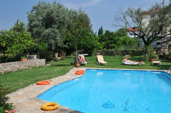 Byzantion Hotel : The pool in the garden