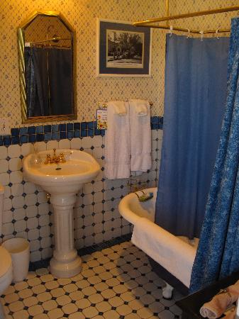 Bottger Mansion of Old Town: Our bathroom