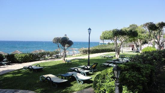 Atlantica Bay Hotel : beach bar and