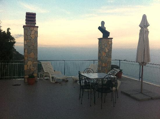 Il Dolce Tramonto: Another terrace