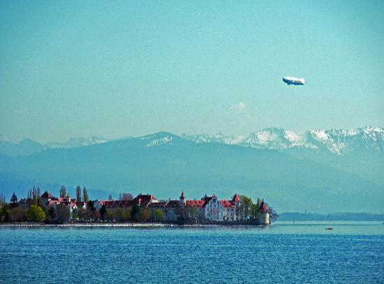 Hotel Bad Schachen: Blick vom Hotel auf die Insel Lindau