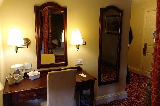Fieldhead Hotel: Room 16