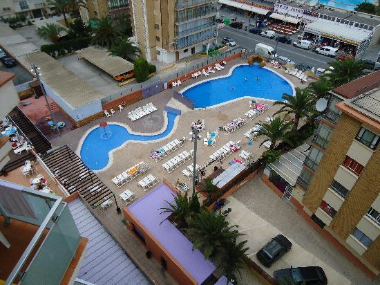 MedPlaya Hotel Regente: View of the pool from our balcony (713)