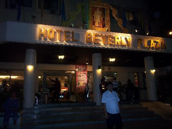 Hotel Beverly Plaza Pattaya : entrance