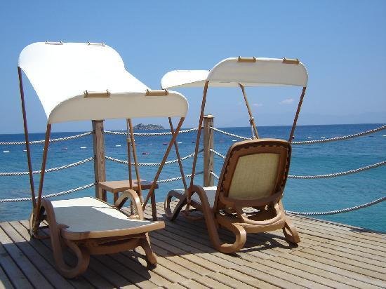 Xanadu Island Hotel: uitzicht vanop een houten terras