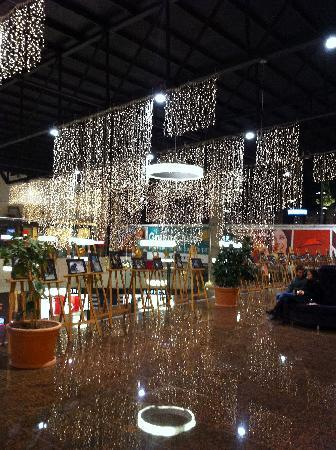 Iulius Mall Cluj: Inside the Mall at Christmas