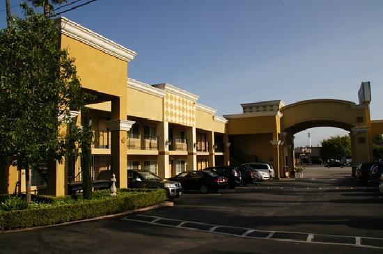 BEST WESTERN Woodland Hills Inn: Motelanlage