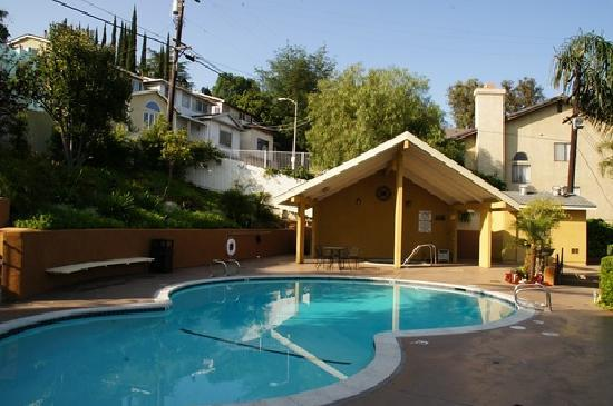 BEST WESTERN Woodland Hills Inn: Pool