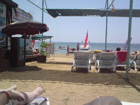 Lavitas Hotel: Our beach front!
