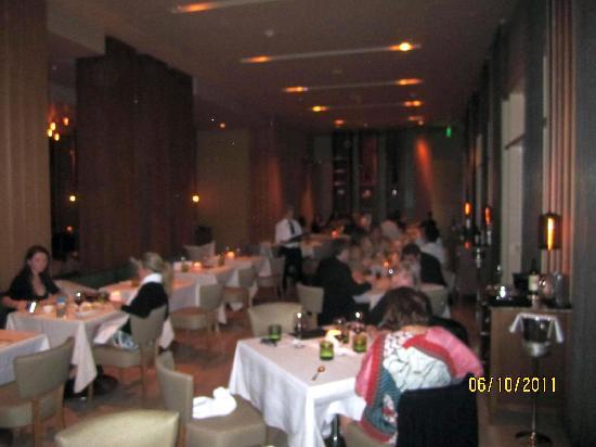 Stonehill Tavern , A Michael Mina Restaurant : Dining area