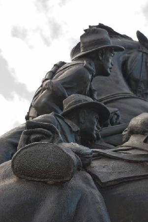 Desert Mounted Corps Memorial: Anzacs
