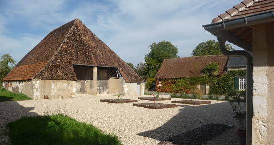 La Maison des Passerelles : La Grange Pyramidale