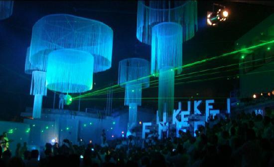 Club Med Kemer: Soirée blanche dans l'amphithéâtre