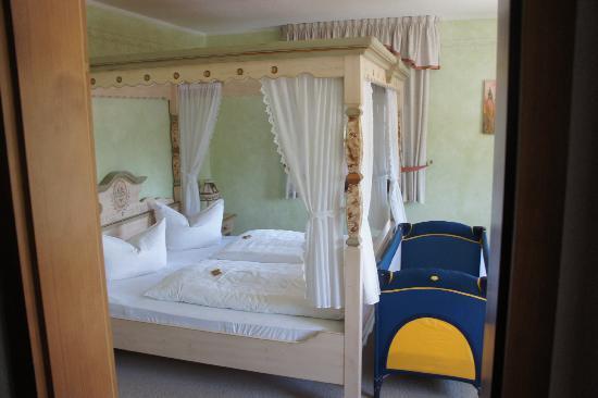 Erlebnishotel Zur Schiffsmuehle: Nice and comfortable bed
