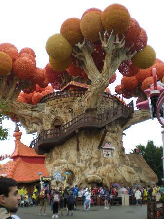Gardaland Resort: L'albero di Prezzemolino per i più piccoli