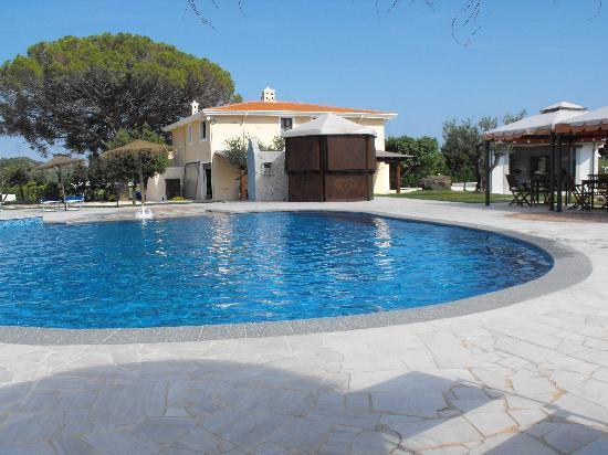 La piscina bild von santa maria resort orosei tripadvisor - Piscina santa maria ...