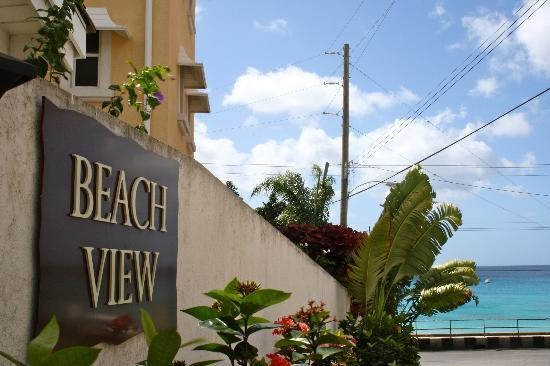 Beach View: entrance to hotel