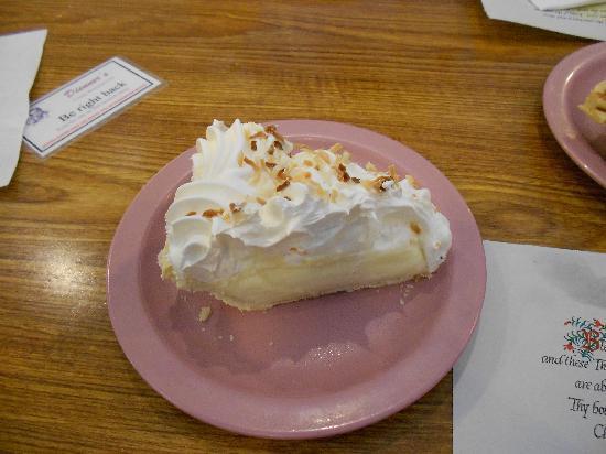 Dienner's Country Restaurant: Pie