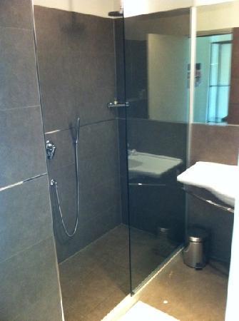 """Castiglione Delle Stiviere, อิตาลี: doccia camera """"L'intrigo arabo"""""""