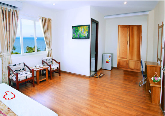 Hoang Hai (Golden Sea) Hotel: VIP room