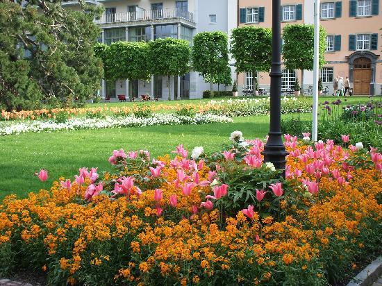 Hotel Restaurant Rössli: Gardens of the Grand Resort nearby
